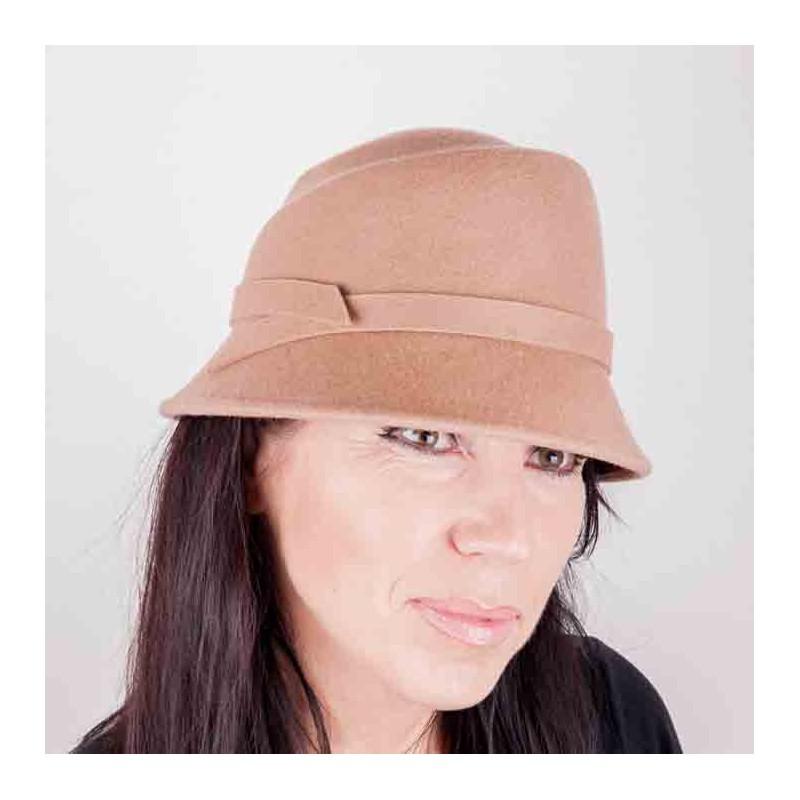 dfce6db572e Béžový dámský klobouk Assante 86994